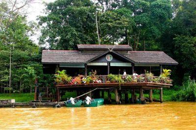Sukau rainforest lodge.jpg